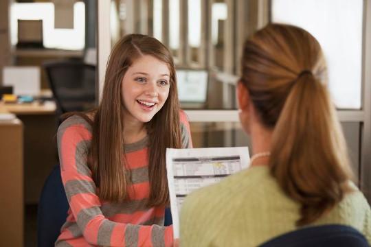 Ученица осваивает уровень английского Proficiency